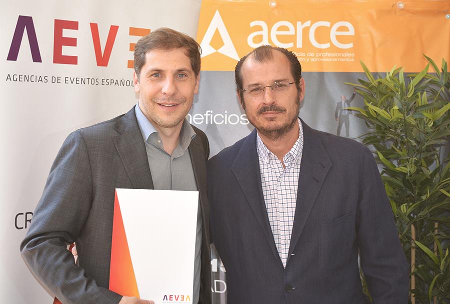 Foto firma acuerdo-2